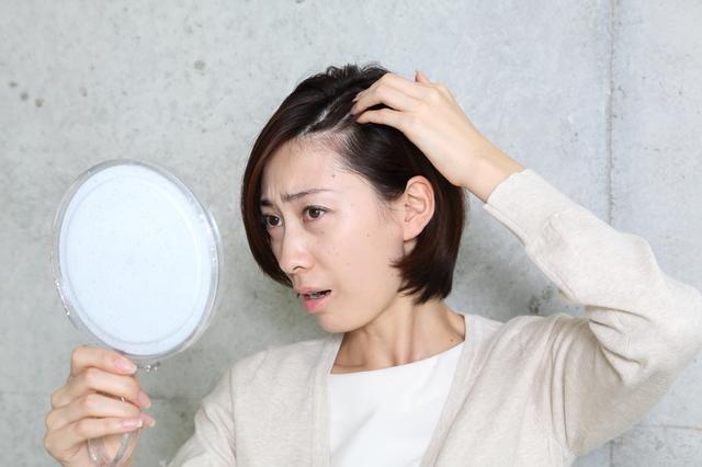 【博士の育毛診療日誌】ダイエットが女性の抜け毛・薄毛の原因に!