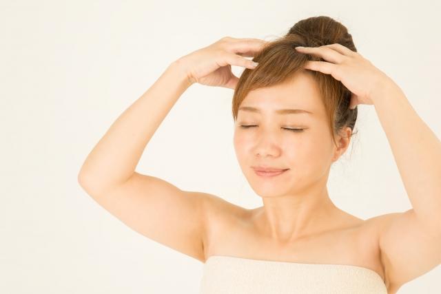 髪の発育を助ける「頭皮マッサージ」