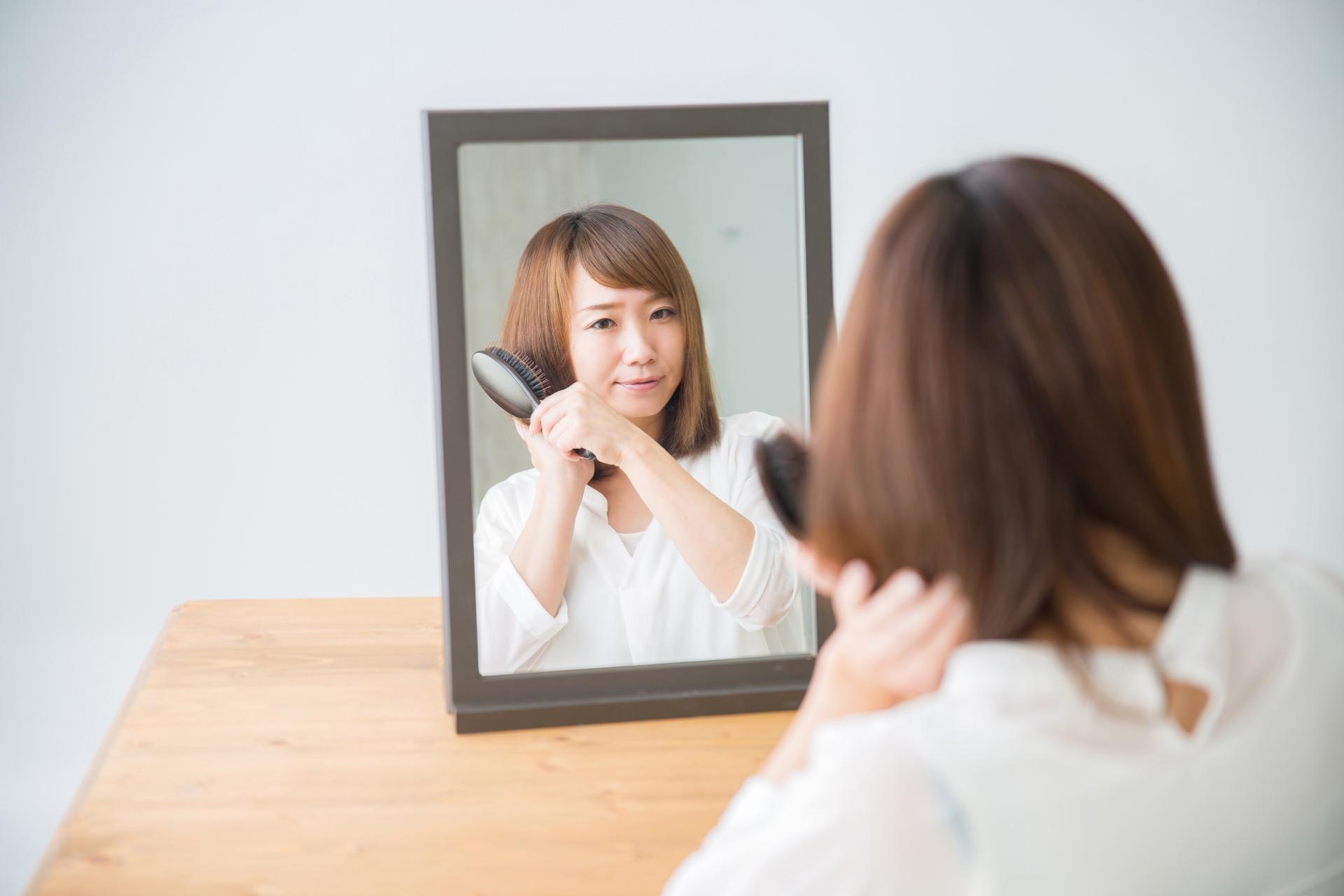 静電気の髪ダメージと冬のブラッシング