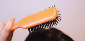 乾燥によるフケは、粃糠性(ひこうせい)脱毛症の原因に!